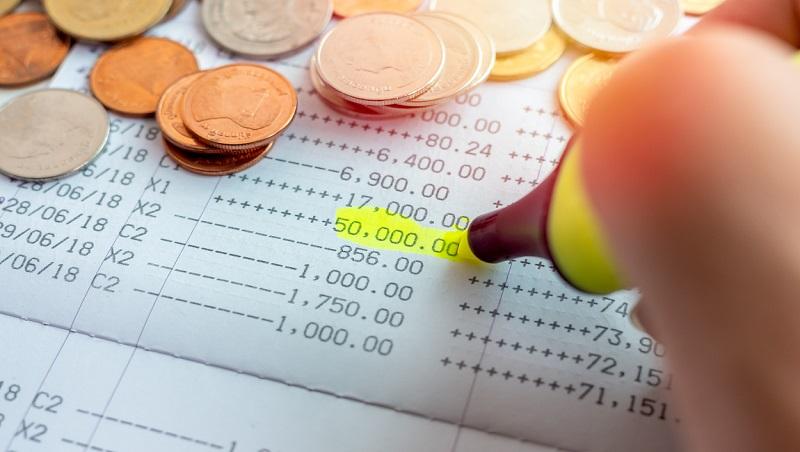 存摺留一本、錢包只放5張卡!勤記帳還是存不了錢...跟日本理財顧問學7種「財富整理法」