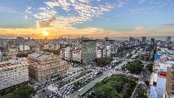 阿根廷從已開發國家,到屢屢倒債破產...「民主制度」如何害一個國家萬劫不復?