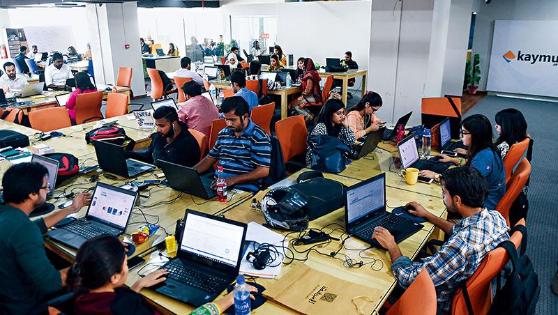 巴基斯坦的財政窘困,幾乎每兩年就得向國際呼求紓困,初創商與創投業者只能自力推動政府、援救組織辦不到的事。