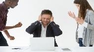 工作3年罹癌,直到病逝都不見上司關心...一個故事告訴你:能者多勞,是平庸者對菁英的剝削!