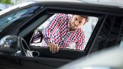 選購新車嗎?這5句話千萬不可對銷售業務員說