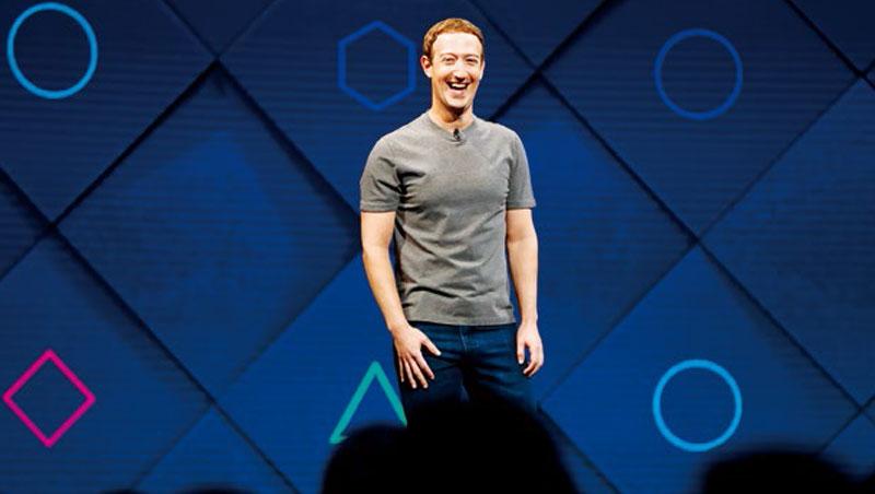 臉書創辦人佐伯格無論上班、出席活動,都穿指標性灰T恤、牛仔褲,是為了減少與工作無關的決策。