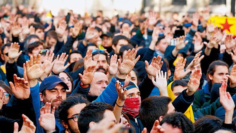 西班牙政府上調基本工資22%是為了宣示富國沒有窮工,但事實上它也想調高柴油稅,漲幅甚至高達29.3%。