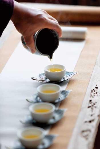 野放茶喝來口感淡雅,細緻綿密,餘韻甘甜久久不散。