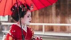 絕不自我推銷、不說歡迎再度光臨…招待過美國總統、英國女王,跟京都王牌藝妓學一流服務精神