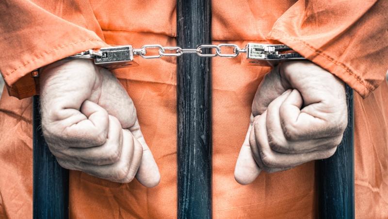 從碗筷衛生紙到棉被枕頭,通通得自己買!一個更生人揭台灣坐牢真相:入獄才不是吃免錢飯