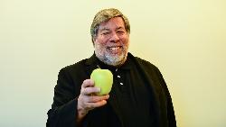 誰說賈伯斯比較成功?情願程式被搶走、讓出蘋果股權...蘋果共同創辦人沃茲:權力,不代表快樂
