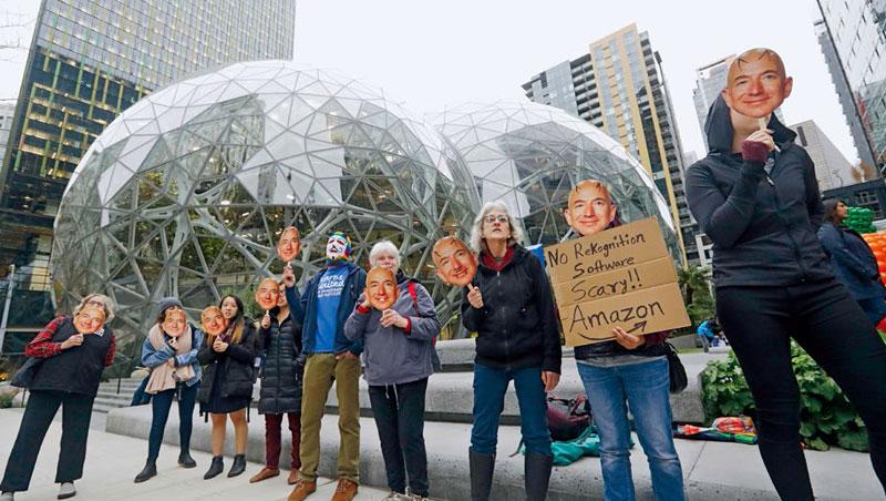 亞馬遜再度登上全球市值王,卻接連面對員工抗議,指稱助長政府侵犯人權。