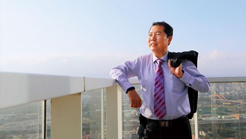 5年前,越南513事件燒光蔡文瑞的廠房,反而讓他從低谷爬得更高,回台進駐台中7期辦公大樓,準備IPO。