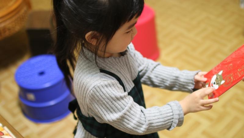 孩子過年收到的紅包錢,該怎麼處理?不要只放活存...理財專家分享2種方法,還能存教育基金