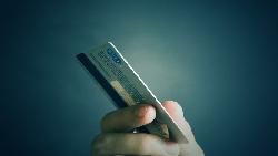 福利縮水要不要剪卡 先想好這四件事
