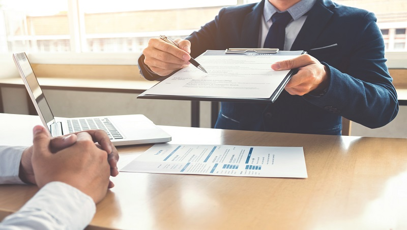 29歲當主管害自己整年都加班...管理顧問20年心法:與其追求升職,先思考「想當怎樣的上司」