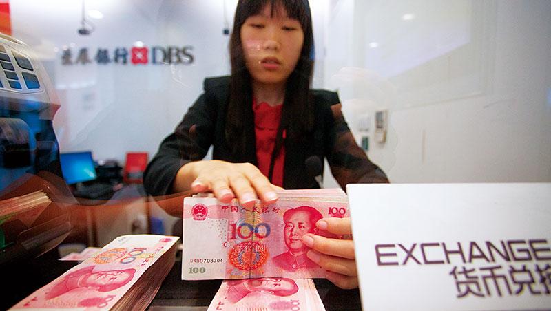 今年經濟情勢緊張,對參與人民幣升值的投資人來說,對沖避險是明智之舉。