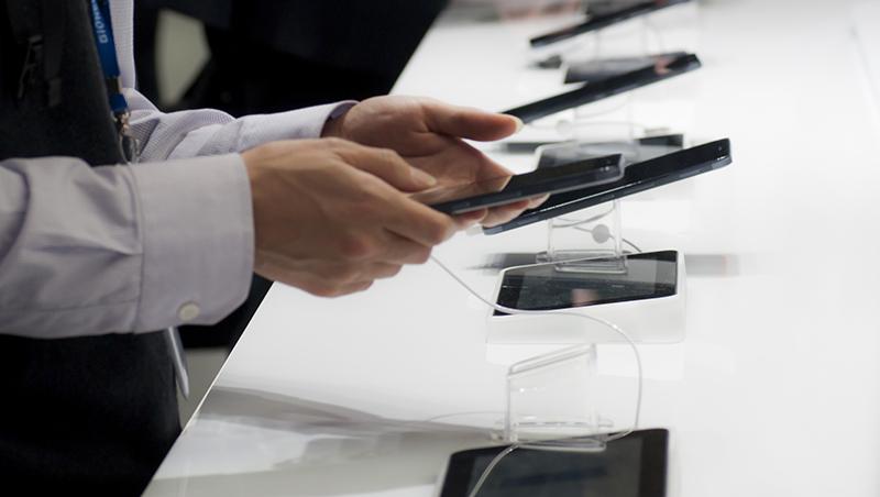 2019最潮通訊科技都在這!5G、折疊式、超高電量手機紛紛登場...全球手機廠最新趨勢全解析