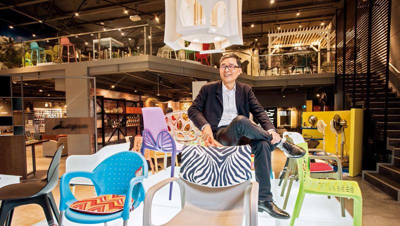 從電扇、玩具,跨業鞋、戶外家具,劉保佑在產業不斷變化中找活路。
