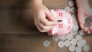 每天存錢金額多1元...國中聯絡簿的「365存錢法」,大人都未必做得到!教孩子比存錢更重要的事