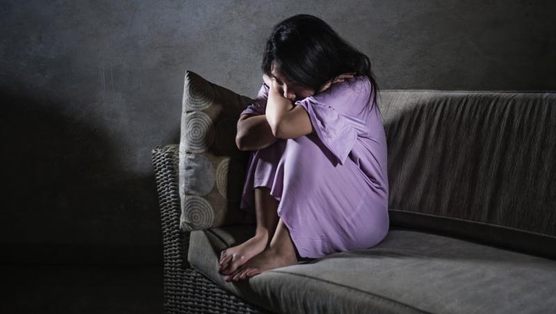 他譴責去國外的朋友不顧父母,又羨慕他們「自由」...心理師點破:當了孝子,卻消滅了自我