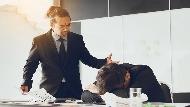 從憤恨不平到為了高薪妥協...每個上班族都該思考:你的公司,是害你沉淪還是提升競爭力?