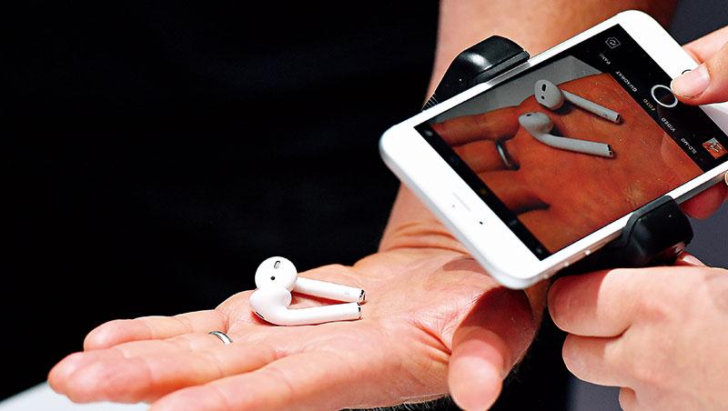 無線藍牙耳機滲透率逐漸拉高。