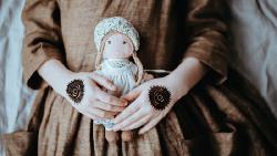 3百塊的手作娃娃,再精緻還是賣不出去...為何價格漲超過5倍,客戶卻買單了?