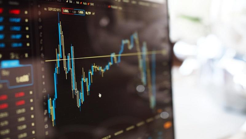 豬年投資「少吃多做」!3策略度過市場震盪,理財教母林奇芬:台股跌破●千點翻倍加碼