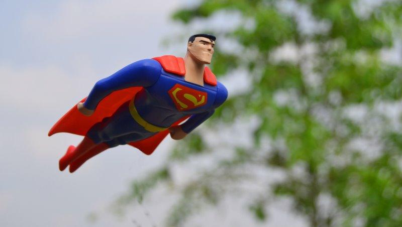 單純想揪朋友出遊,後來卻成了無酬的旅行社角色...丁菱娟:不要在生活裡當「超人」