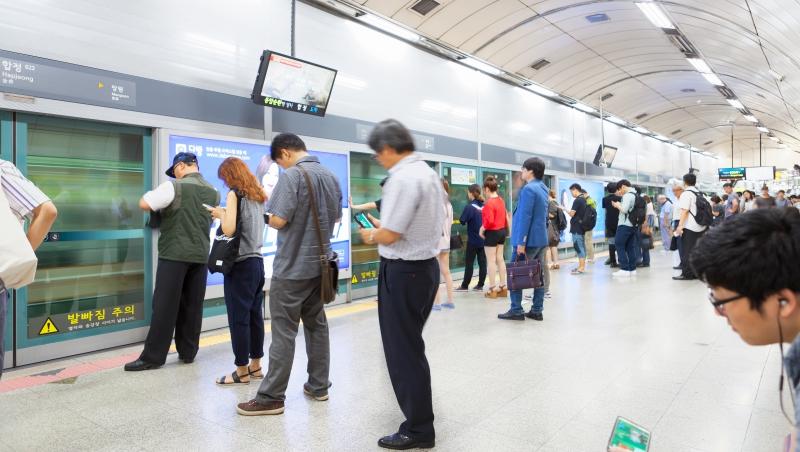 南韓新鮮人比台灣更慘!平均逾10個月才找到工作...最新流行「邊上班邊補習」背後的苦衷