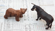 連巴菲特都拜讀的投資備忘錄!剖析金融事件背後的市場週期祕密