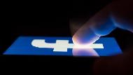 維持免費使用,還是改走付費訂閱制?臉書內部長期爭論浮上檯面,揭便利生活背後的隱藏風險