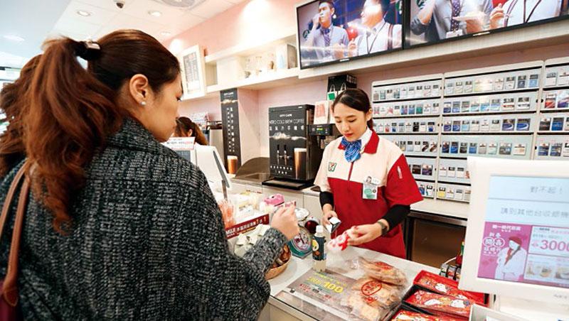 不僅咖啡、鮮食,未來在統一超還買得到達美樂的現烤披薩,這起合作案,顯示統一超正為數位困境找出路。