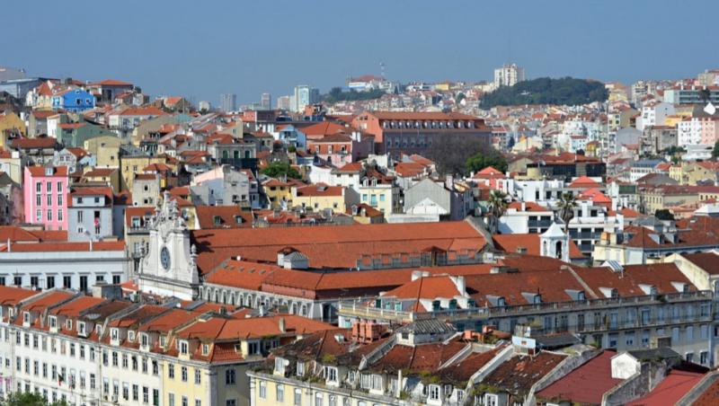 不靠舉債、不搞基礎建設...從「歐豬」變「財政模範生」,葡萄牙如何讓經濟華麗翻身?