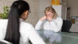 40歲有7年公職資歷找工作卻四處碰壁...一名老闆真心話:為自己「冒險一次」,否則沒資格抱怨