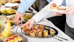 吃膩員工餐,公司希望供應商換口味,你會怎麼做?1個例子看:普通人跟頂尖人才的差別