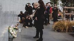 紐西蘭槍殺案》「說出罹難者的名字,而非凶手」紐西蘭總理如何在危機時刻,立下跨時代的領袖風範?