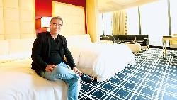 從賠錢到賺回千萬創業基金...他用「買股」心法,讓林酒店成立3年,年營收就破10億!