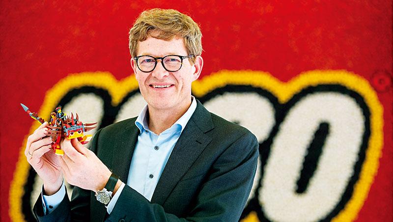 樂高執行長克里斯丹森認為,創新不必然要切割本業核心,繞著積木發想的互補式創新更有利轉型成功。
