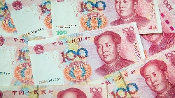 承認經濟發展有隱憂!李克強宣布中國將端企業減稅政策,「穩就業」成政府首要目標