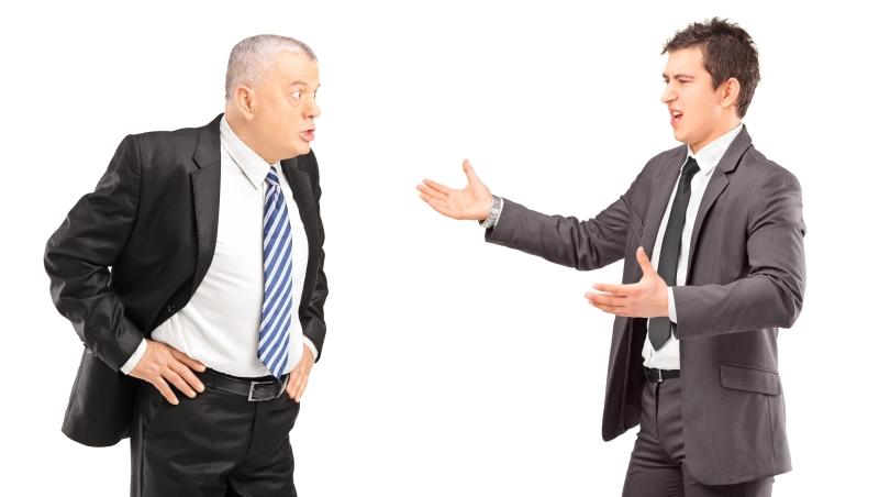 真的不是什麼話都能說!前輩都放在心裡的職場潛規則:老闆就是老闆,不要當「朋友」