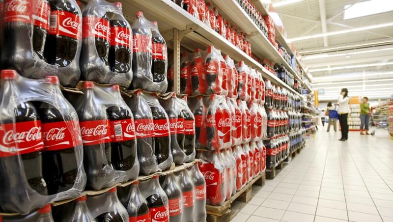 為何把大容量飲料瓶放地上,銷量就能翻倍?可口可樂暢銷133年的經營秘密