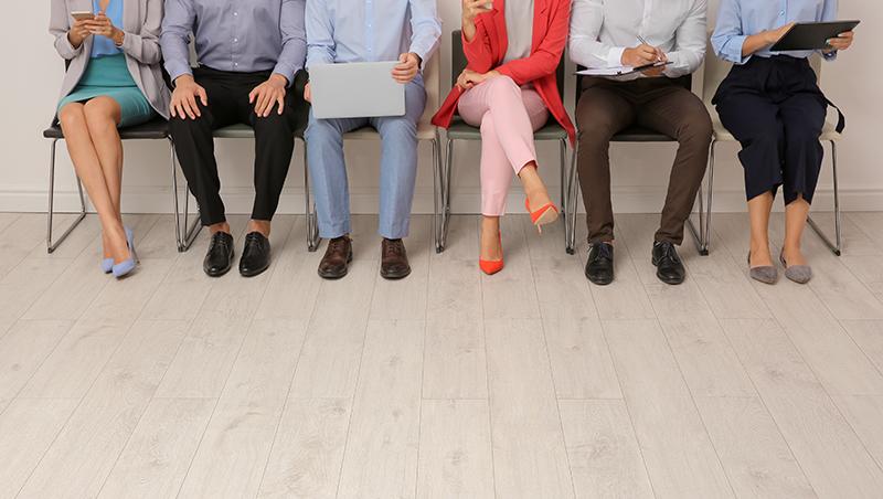 青年勞工平均月薪 首度逾3萬