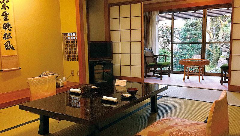 傳統日式旅館的極致服務呈現日本文化優雅細膩的一面。