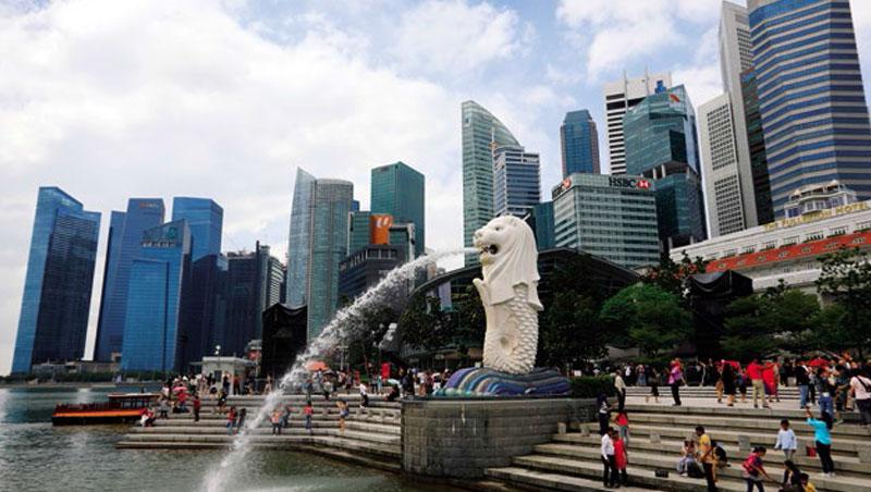 新加坡稅率低,政治風險又比香港低,部分有該國國籍的台商透露,目前正在準備移民。