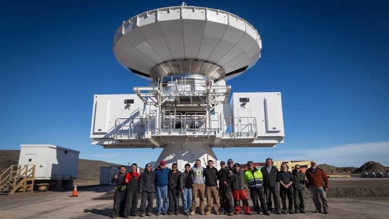 黑洞首度面世》光架好觀測設備就耗了5年!中研院這群瘋狂科學家,如何帶領全人類見證歷史?