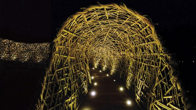 營地有許多以自然材質編織成的巨型裝置藝術,成為想像無限的遊樂場。
