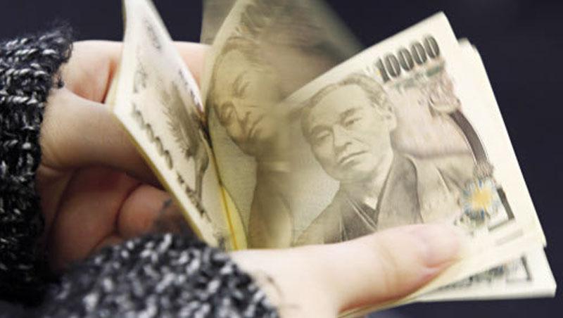 國際熱錢向來喜歡借低利的日圓投資,5月以來市場拋售風險資產,使日圓回流,拉出一波獨強走勢。