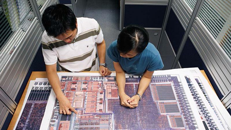 IC設計輕資產,人才是最重要武器,但近年許多中國企業直接把台灣團隊挖走,是台灣業者的集體惡夢。