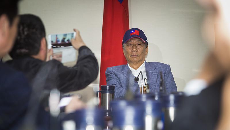 「要讓大陸正視中華民國存在」大秀川普獨家簽名,郭董再上火線回擊抹紅言論
