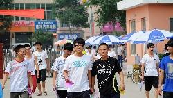 王維、白居易考上科舉…都靠違法才成功!看中國至今都還存在的「高考遷徙潮」