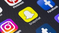 Snapchat「返老還童」濾鏡爆紅,下載量登冠!社群軟體變拍照App透露的困境