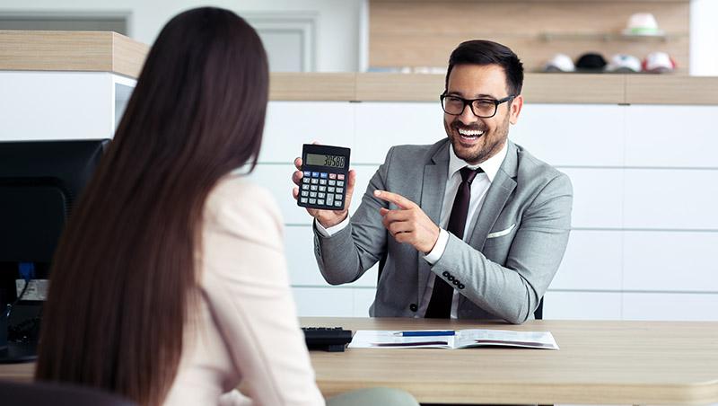 客戶沒預算,也能成交上百萬訂單...多年企業公關經驗,觀察到的頂尖業務成交術